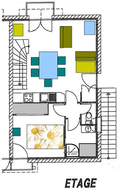 A l'étage 1 : vaste séjour-cuisine avec balcon sur le jardin. WC et salon de toilette. Chambre donnant sur la rue.